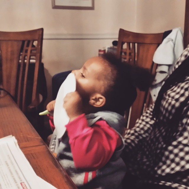 """Maya approves of her daddy's """"smack yo mama in the mouth"""" chili.#mayaomowale #theomowondertwins"""