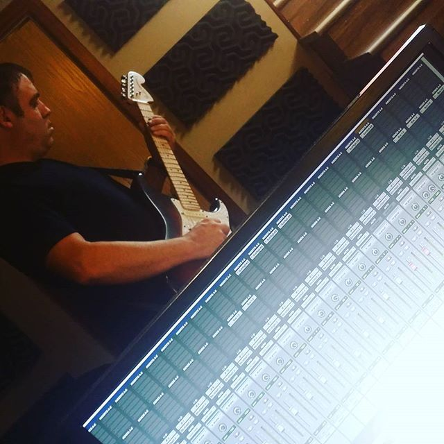 @steveongtr brings the HEAT to EkoBase. Scorching guitar for the new Nadir record. #TheRightKindOfCrazy