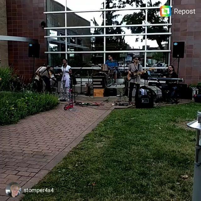 Yes. Even soundcheck was funky...#FerndaleLibrary #SummerConcertSeries@simonewinterexperience @cdspooner1 @steveongtr @laurenjohnsonmusic